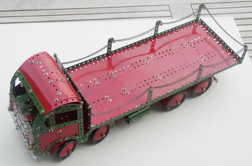 Eight Wheel Lorry top view